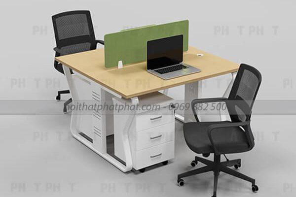 Sử dụng bàn làm việc giá rẻ cho văn phòng